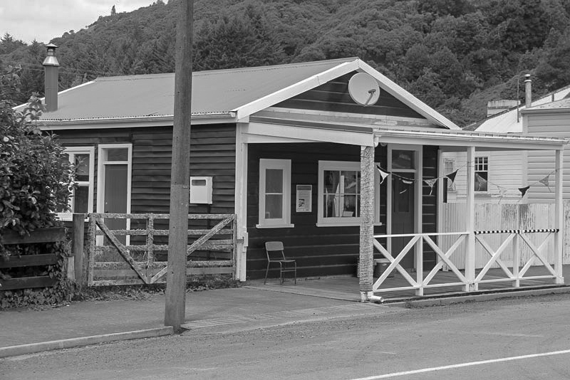 Whangamomona accommodation